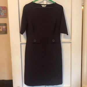 Flattering cotton-poly dress, great for work.